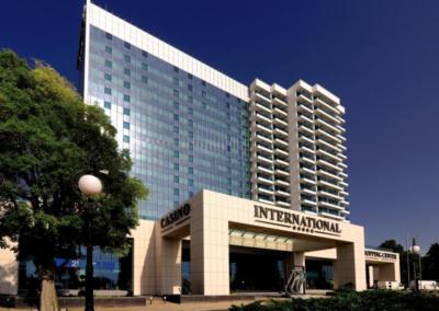 International Casino & Tower Suites, Goldstrand