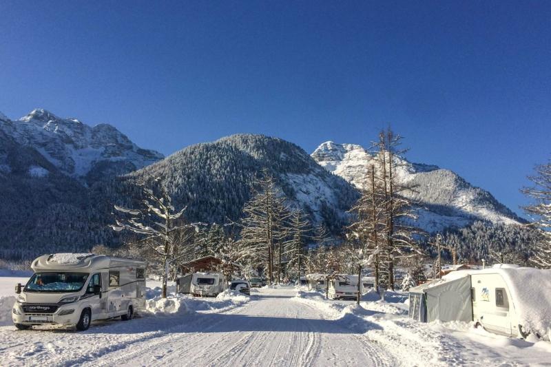 wintercamping leih ski wohnwagen mieten 3