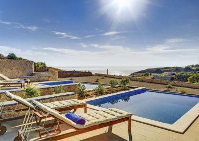 Desiterra Luxury Suites Villas